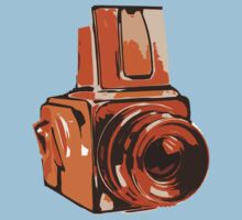 Medium Format 6x6 Camera Design in Orange Kids Tee