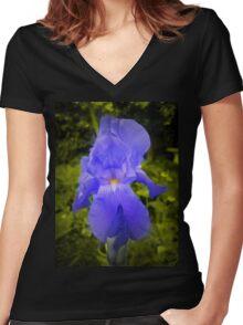 iris Women's Fitted V-Neck T-Shirt