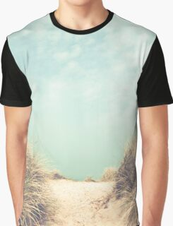 The way to the beach Graphic T-Shirt