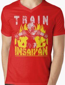 TRAIN INSAIYAN - Goku Lifting Dumbbells Mens V-Neck T-Shirt