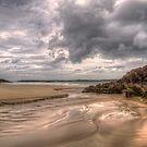 Ceannabeinne Beach by derekbeattie