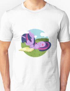Princess Twilight Sparkle Reading Unisex T-Shirt