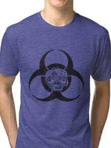 biohazard zeichen symbol traurig müde gelangweilt dumm zombie gesicht kopf untot horror monster halloween  Tri-blend T-Shirt