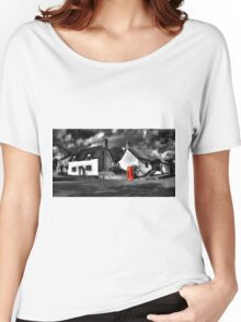 Thatched cottages of Halse (Mono) Women's Relaxed Fit T-Shirt