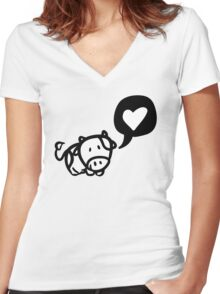 Cow in Love Women's Fitted V-Neck T-Shirt