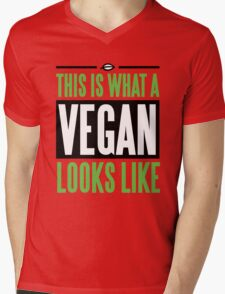 This is what a vegan looks like Mens V-Neck T-Shirt
