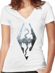 TES - Skyrim Women's Fitted V-Neck T-Shirt