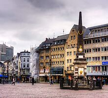 Bonn Market Square by Tom Gomez