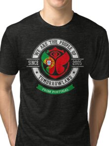 People of Tomorrowland Flags logo Badge - Portugal - Portuguese - português Tri-blend T-Shirt