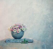 the sweet scent of clover by Priska Wettstein