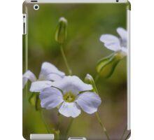 tinny white flower iPad Case/Skin