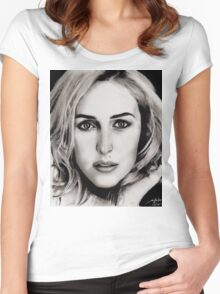 Gillian Anderson Oil Women's Fitted Scoop T-Shirt