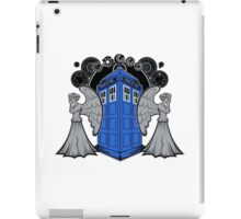 Weeping Angels and the Tardis iPad Case/Skin