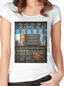 Carriage Gates London Women's Fitted Scoop T-Shirt