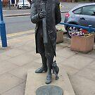 Matthew Flinders statue by Steven Mace