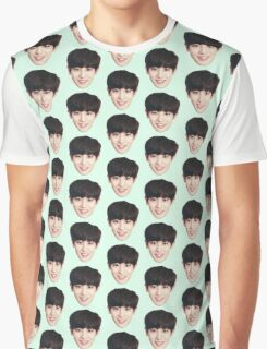 Chanyeol on me Graphic T-Shirt