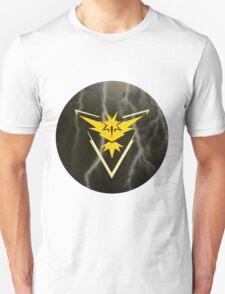 Pokemon Go - Team Instinct (lightning circle 1) Unisex T-Shirt