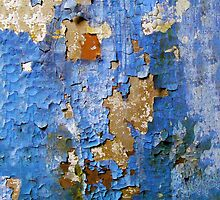 Blu Cracked Wall by appfoto