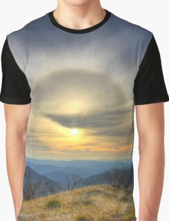 Sun halo over the high country Graphic T-Shirt