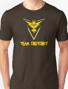 Pokemon GO: Team Instinct (Yellow) - Text Unisex T-Shirt