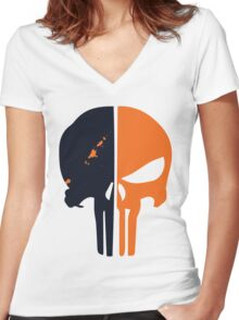 Punisher x Deathstroke Women's Fitted V-Neck T-Shirt