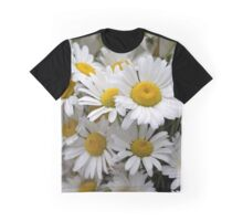 Betty's Daisies Graphic T-Shirt