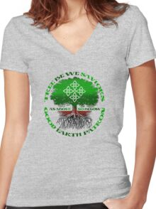 good earth Women's Fitted V-Neck T-Shirt