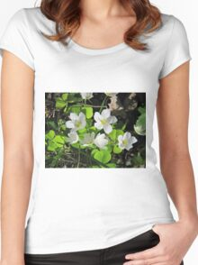 white flowers with no name Women's Fitted Scoop T-Shirt