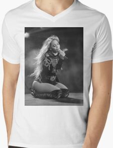 Beyoncé Knowles 1+1 LIVE Mens V-Neck T-Shirt