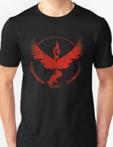 Team Valor grunge red - black bg Unisex T-Shirt