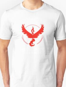 House Valor (GOT + Pokemon GO) White text Unisex T-Shirt