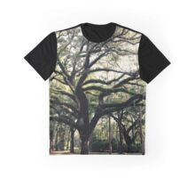 Graceful Oak Graphic T-Shirt