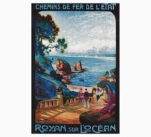 Royan sur L'Ocean, French Travel Poster Kids Tee
