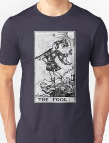 The Fool Tarot Card - Major Arcana - fortune telling - occult Unisex T-Shirt