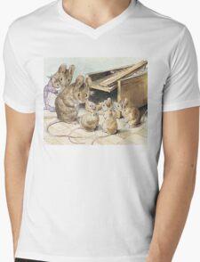 Don't go into the trap! Says Father Mouse Mens V-Neck T-Shirt