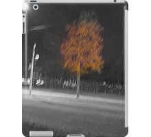 look, a tree, what a tree iPad Case/Skin
