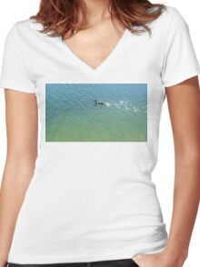 swimming duck Women's Fitted V-Neck T-Shirt
