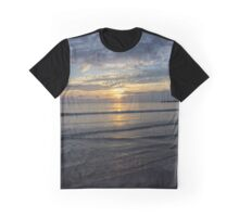 A fabulous Sri Lankan sunrise Graphic T-Shirt