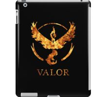 TEAM VALOR - POKEMON GO TSHIRT iPad Case/Skin