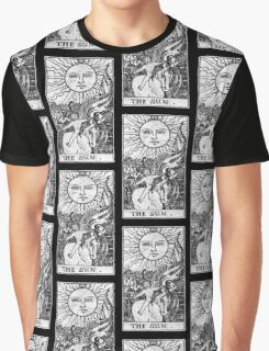 The Sun Tarot Card - Major Arcana - fortune telling - occult Graphic T-Shirt