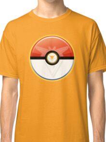 Pokémon GO - Team Instinct: Zapdos Classic T-Shirt