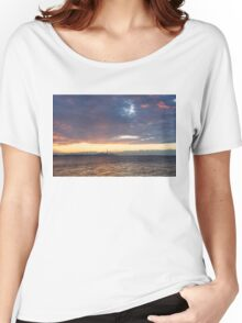 Just Before Sunrise - Toronto's Skyline Silhouette Women's Relaxed Fit T-Shirt