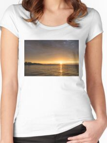 Toronto's Skyline Sunrise - Golden Sunrays CN Tower Women's Fitted Scoop T-Shirt