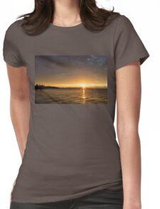 Toronto Skyline Sunrise - Golden Sunrays CN Tower Womens Fitted T-Shirt