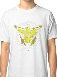 ♥ Team Instinct ♥ Classic T-Shirt
