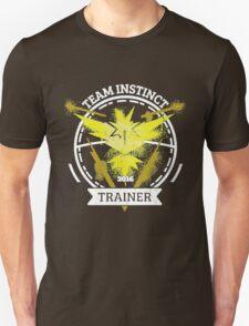 ♥ Team Instinct ♥ Unisex T-Shirt