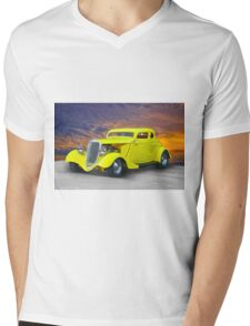 1934 Ford 'Chopped Top' Coupe III Mens V-Neck T-Shirt