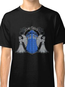 Weeping Angels and the Tardis Classic T-Shirt