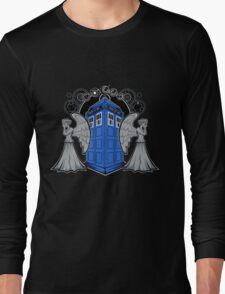 Weeping Angels and the Tardis Long Sleeve T-Shirt