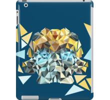 Bumblebee Portrait with Triangles iPad Case/Skin